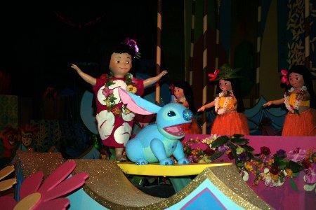 """[Disneyland Park] """"it's small world"""" victime du surpoids des américains (Réouv 06.02.09) - Page 4 P14-0001"""