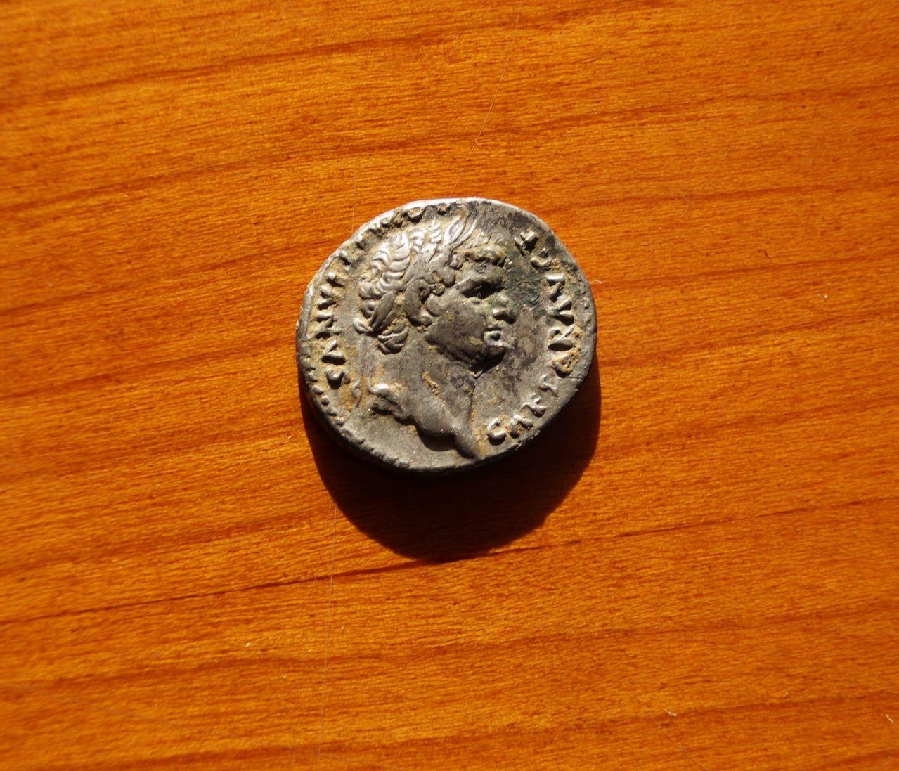 Denario de Domiciano. COS V. Jinete. Ceca Roma. DSC01390
