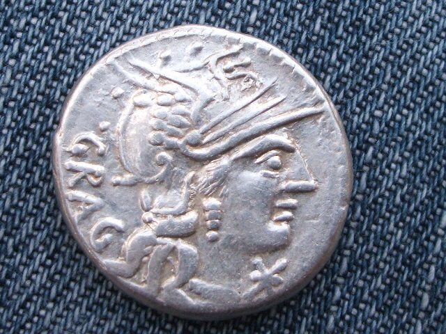 Denario republicano gens Antestia. L AES / ROMA 051