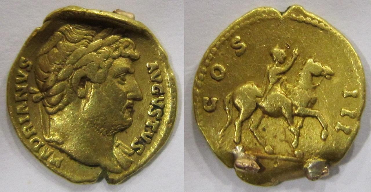 Aureo de Adriano. COS III. Emperador a caballo a dcha. Ceca Roma. - Página 2 Aureo_Adriano_COS_III