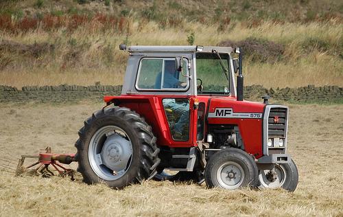 Hilo de tractores antiguos. - Página 3 MF_575