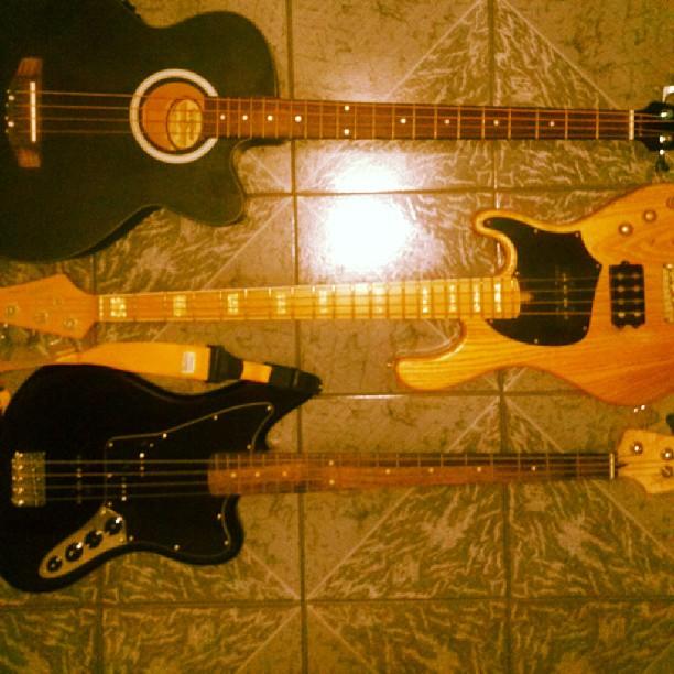 Novo baixo - Squier Vintage Modified Jaguar Bass Special Familia