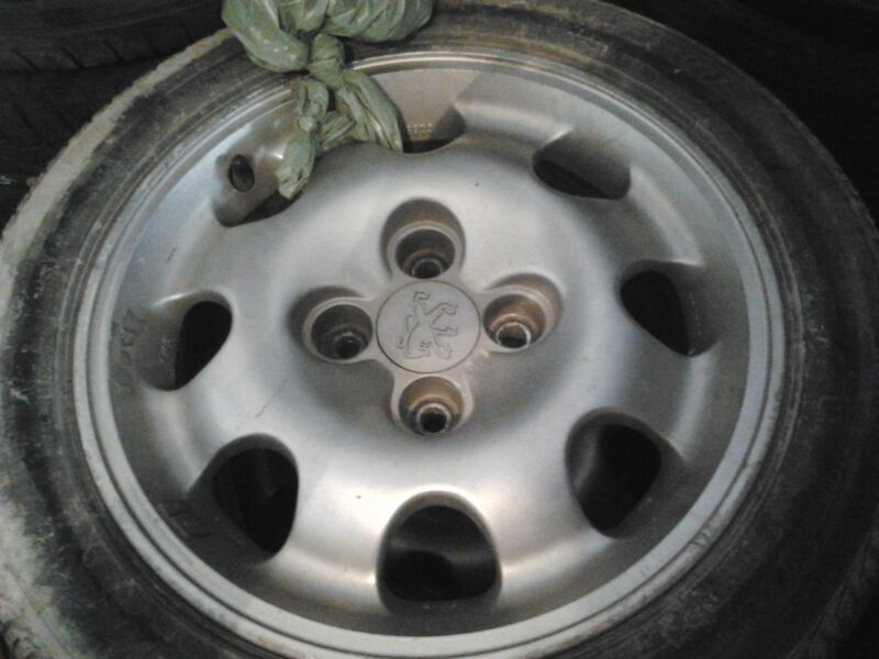 Llantas 205 GTI + Neumáticos VENDIDAS IMG_20130421_WA001