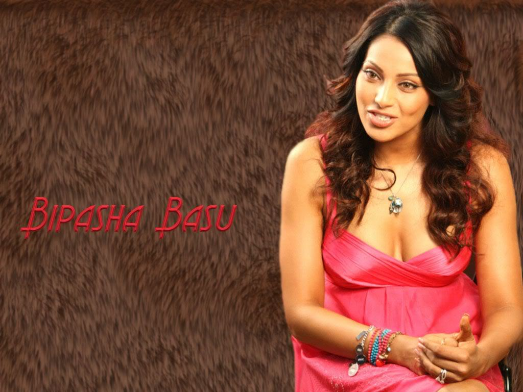Bipasha Basu hot cleavage Bipasha_Basu_hot_cleavage