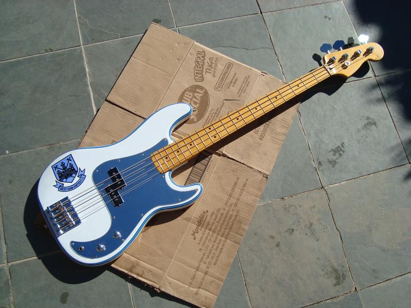 Comprando Fender Precision, dúvidas DSC06672