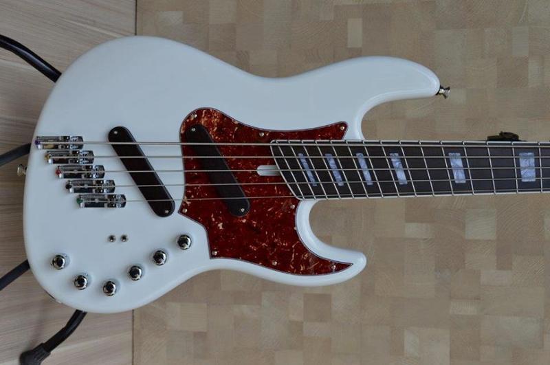 Construção SMartyn Super Jazz Bass 5 Custom 12390962_938685522877122_1309841609345815487_n