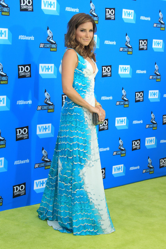 Slike Sophie-Brooke - Page 6 62446_Sophia_Bush_Do_Something_Awards_July201337_122
