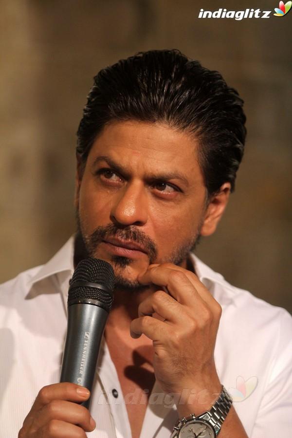 Новости Шахрукх Кхана!!! - Страница 3 Shahrukh_Khan_celebrates_his_birthday78