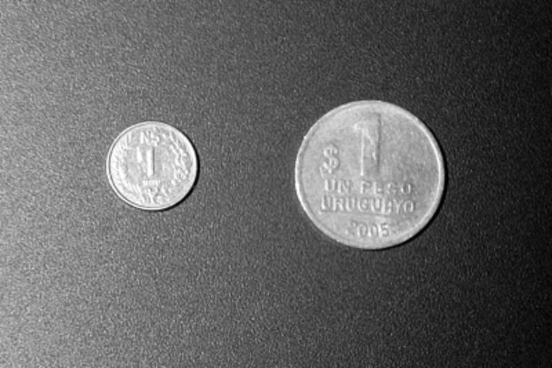 1 Peseta 1996 Juan carlos I- LA PESETILLA o LENTEJA AAA_moneda_de_1_peso_uruguayo_de_1989_10_mm_de