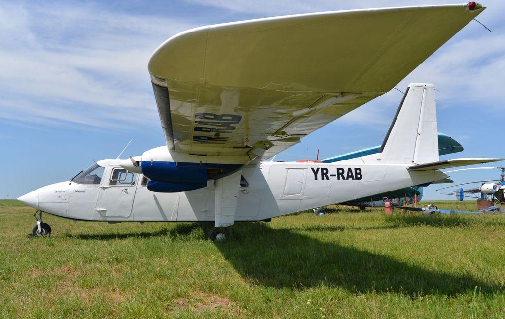 Britten-Norman BN-2 Islander - Pagina 2 DSC_1710_2