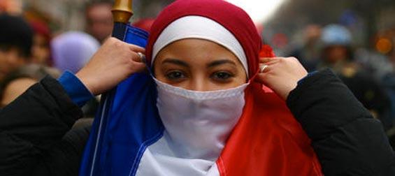 La Guerre des Images contre Islam Voile