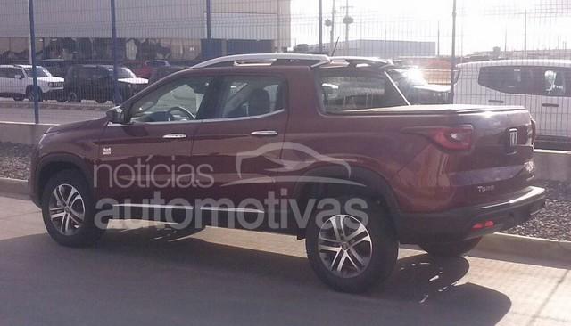 Fiat in Brasile - Pagina 2 Fiat_toro_volcano_4x4_4