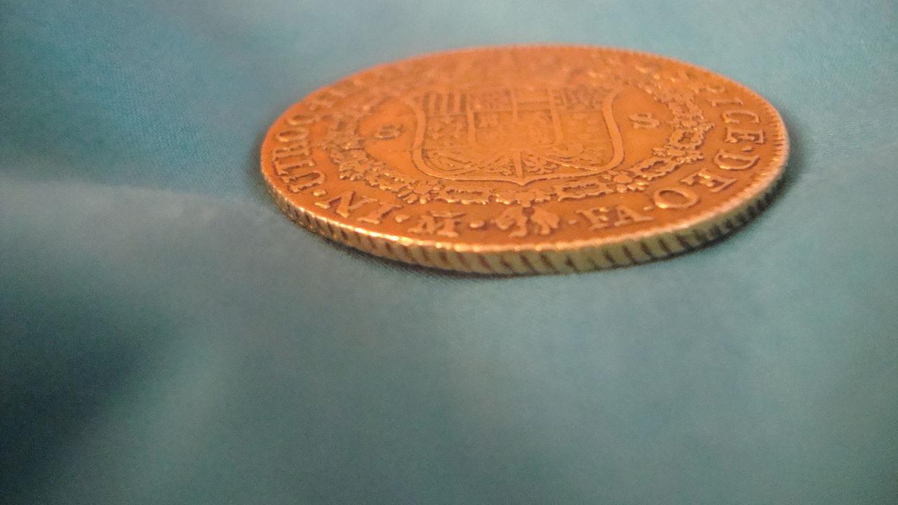 8 Escudos 1803 Carol IIII Madrid FA Oro KM 437 DSC04808
