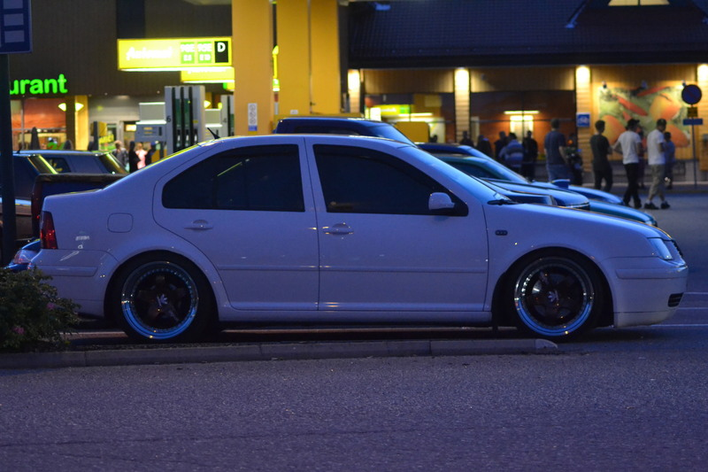BORA 1.8T CANDYWEISS IMG_3658