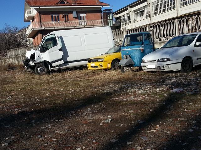 Auto Abbandonate - Pagina 4 20131206_112733