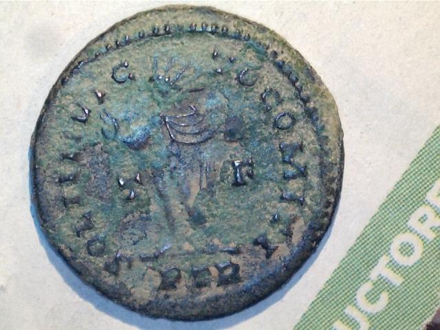 Nummus de Constantino I. SOLI INVICTO COMITI. Trier 5grjpg