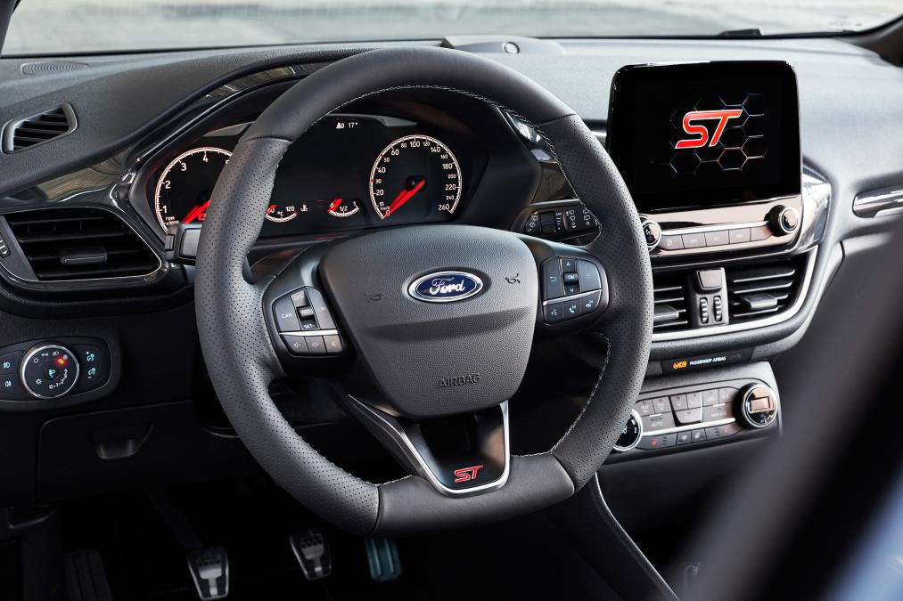 Ford  Ford_2017_fiesta_st_19