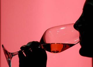 Le piège à rosée Verre_vin_rose