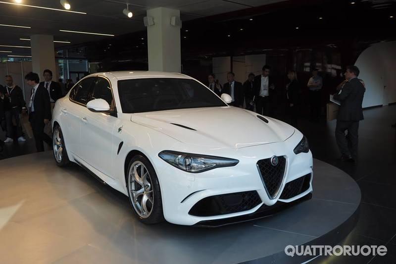 Dopo lunga attesa... ci siamo!! Alfa Romeo Giulia!! 11401276_1463660403945719_7477640108080222696_n
