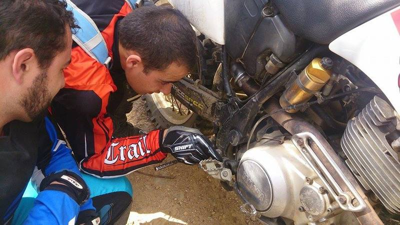 dúvidas mecânica ( ttr600 Rallye Raid) - Página 3 10449713_726553394050778_1081897255_n
