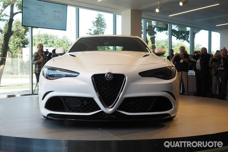Dopo lunga attesa... ci siamo!! Alfa Romeo Giulia!! 11059648_1463660423945717_5100184244467115575_n