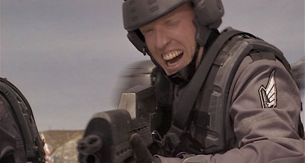 The Predator (2018) Jake_busey_joins_cast_predator_4_82