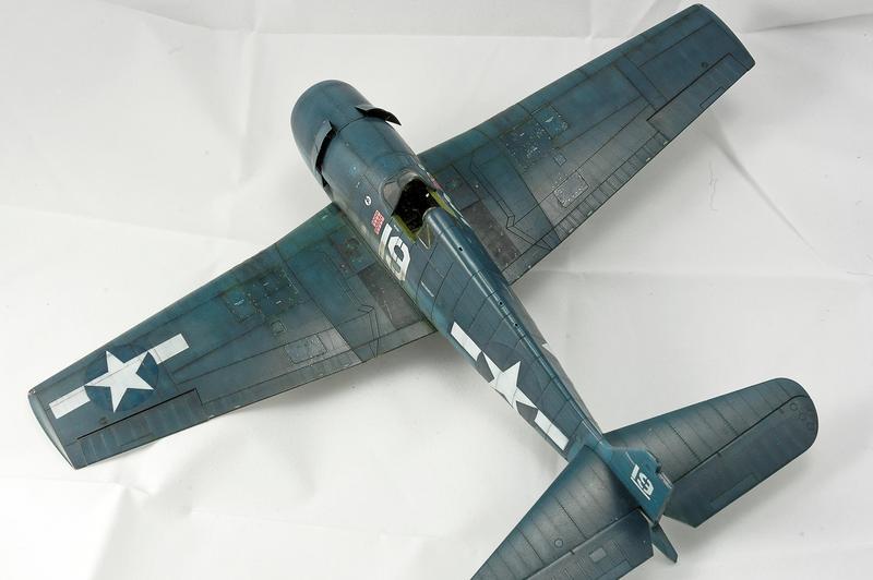 Hellcat F6F-3 Alex Vraciu - Eduard 1/48 DSC_2219_Dx_O