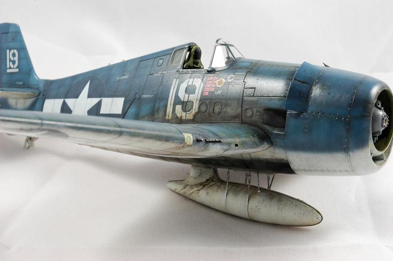 Hellcat F6F-3 Alex Vraciu - Eduard 1/48 DSC_2245_Dx_O