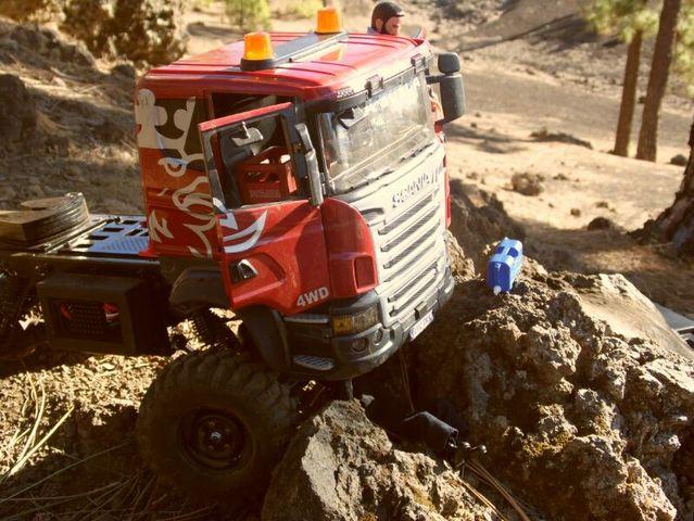 LA SUECA  Scania  trialero con quinta rueda IMG_1512