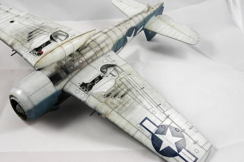 Hellcat F6F-3 Alex Vraciu - Eduard 1/48 DSC_2240_Dx_O