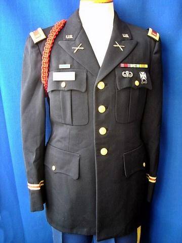 Un peu de ma collection d'uniformes. DSC01746_800x600_640x480