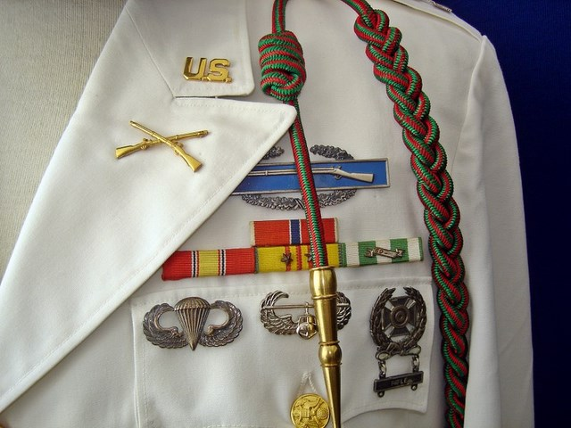 Un peu de ma collection d'uniformes. DSC01764_800x600_640x480