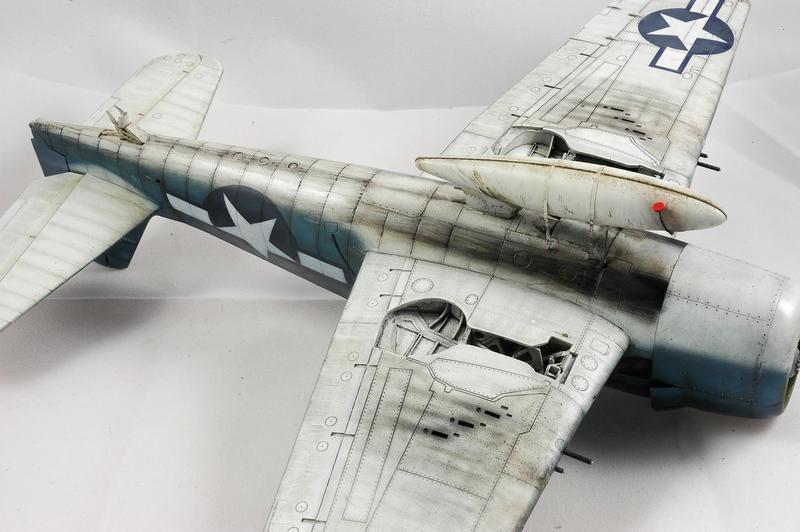 Hellcat F6F-3 Alex Vraciu - Eduard 1/48 DSC_2241_Dx_O