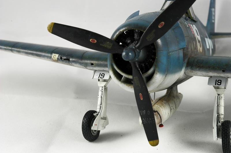 Hellcat F6F-3 Alex Vraciu - Eduard 1/48 DSC_2324_Dx_O
