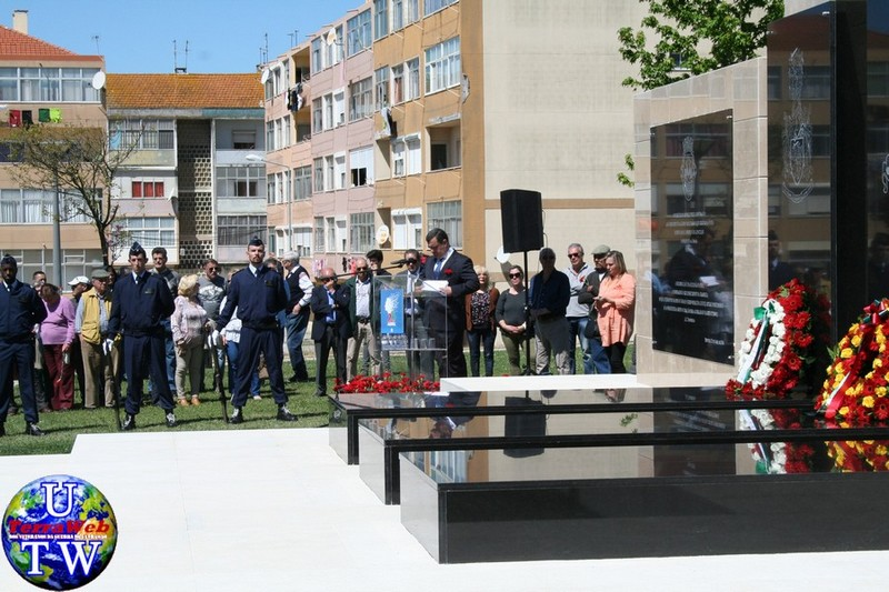 MONTIJO: As imagens da inauguração do Monumento de Homenagem aos Combatentes do Ultramar - 25Abr2016 20160425_72