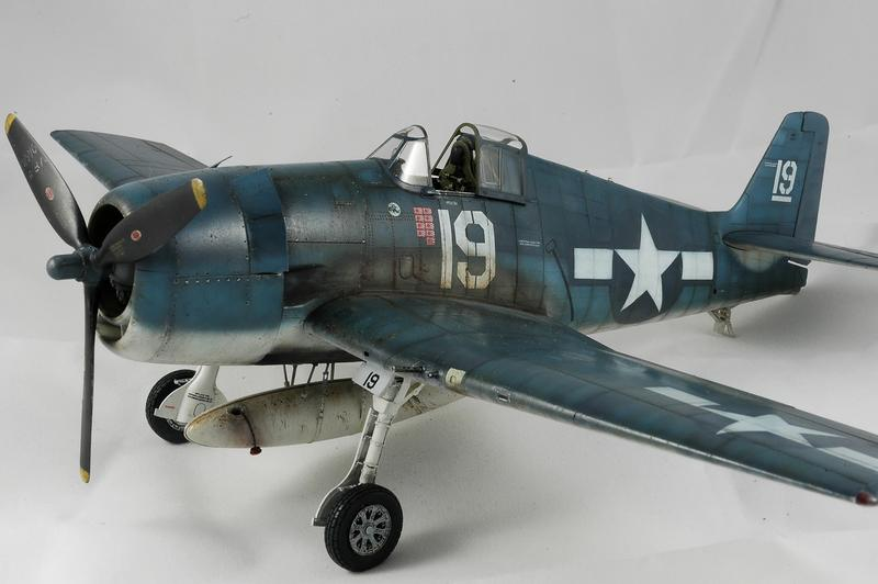 Hellcat F6F-3 Alex Vraciu - Eduard 1/48 DSC_2315_Dx_O