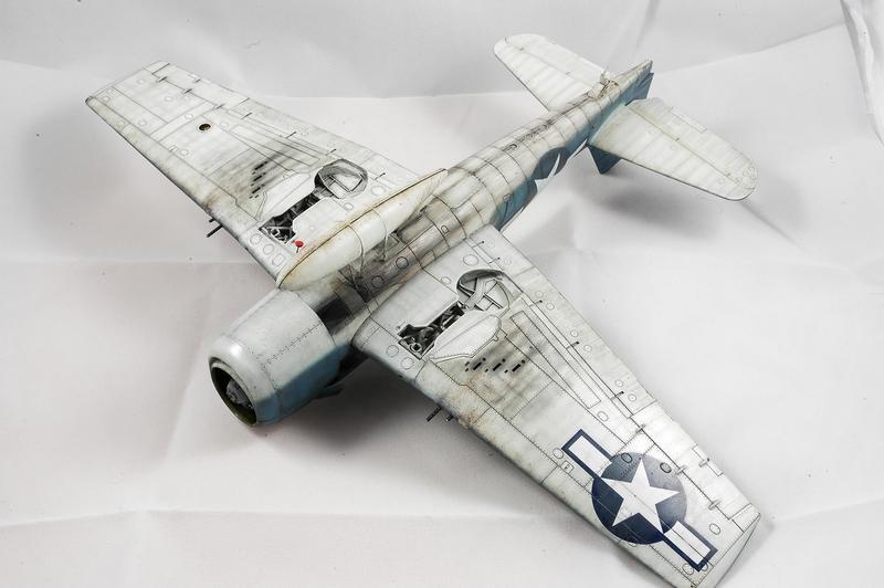 Hellcat F6F-3 Alex Vraciu - Eduard 1/48 DSC_2239_Dx_O