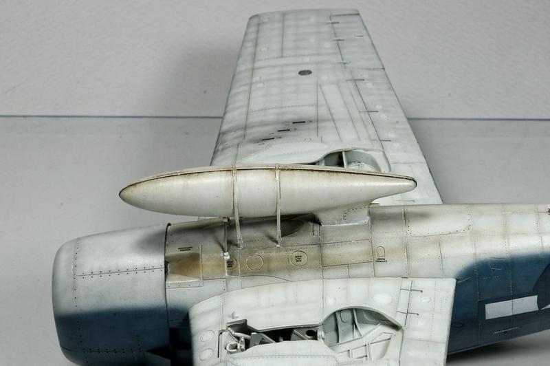 Hellcat F6F-3 Alex Vraciu - Eduard 1/48 DSC_2172_Dx_O