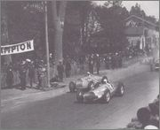 1938 Grand Prix races 06_Pau_10_avril_1938_Le_d_part_et_l_envol_de_la
