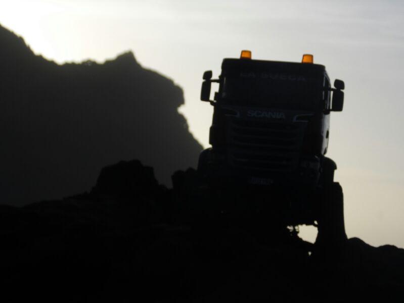 LA SUECA  Scania  trialero con quinta rueda IMG_1270