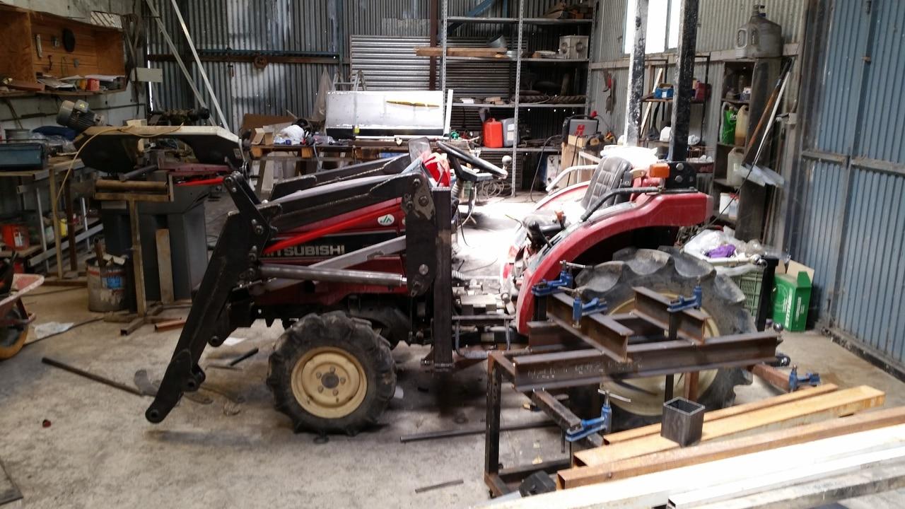 Proyecto de construccion de una pala para un mini tractor 121