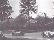 1938 Grand Prix races 06_Pau_10_avril_1938_La_gare_la_mercedes_prends
