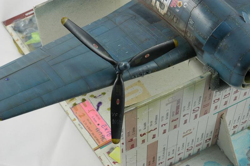 Hellcat F6F-3 Alex Vraciu - Eduard 1/48 DSC_2233_Dx_O