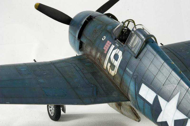 Hellcat F6F-3 Alex Vraciu - Eduard 1/48 DSC_2321_Dx_O