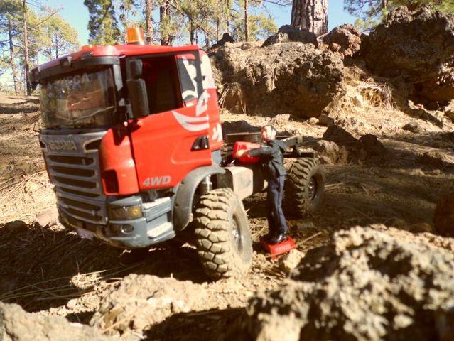 LA SUECA  Scania  trialero con quinta rueda IMG_1507