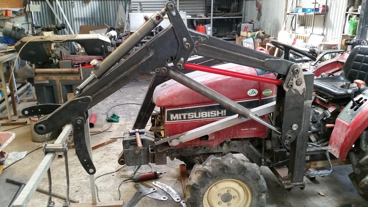 Proyecto de construccion de una pala para un mini tractor 124