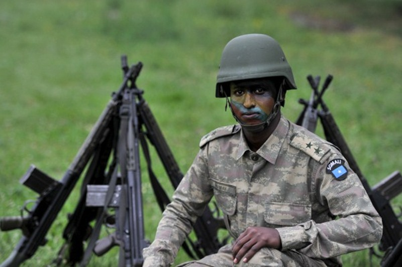 Armée Somalienne / Military of Somalia - Page 2 Somali_soldier_turkey