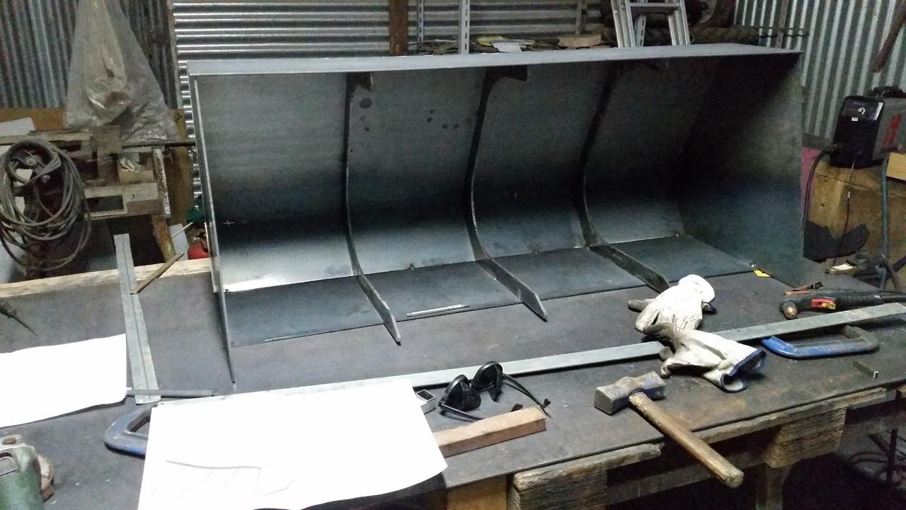 Proyecto de construccion de una pala para un mini tractor 115