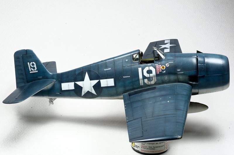 Hellcat F6F-3 Alex Vraciu - Eduard 1/48 DSC_2174_Dx_O