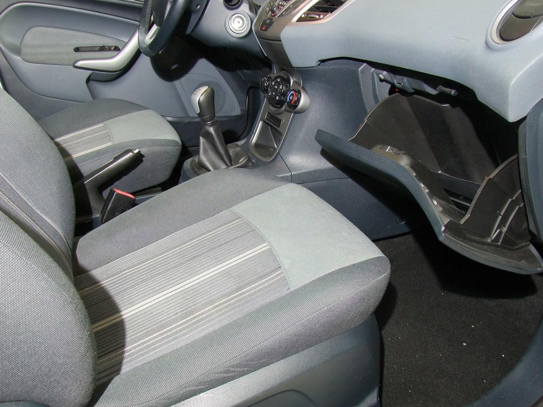 Gerva90 vs. Ford Fiesta 2010 33